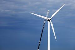 Repearing de wind-turbine Royalty-vrije Stock Afbeeldingen