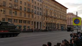 Repetitie van parade aan de viering van Victory Day in Moskou stock footage