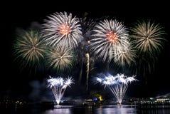 2016-07-02 repetition för fyrverkeri Singapore för nationell dag Arkivfoton