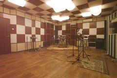 Repetitionrum - inre av inspelningstudion royaltyfria foton