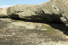 Repisa de la roca en la montaña de Arabia Fotografía de archivo