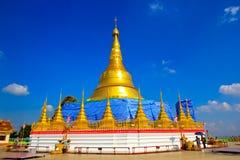 Replica della pagoda di Shwedagon Immagine Stock