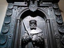 Replica della tomba sulla parete in corridoio del museo di Pushkin fotografie stock