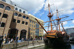 Replica of Golden Hind docked in St Mary Overie Dock, London Stock Photos