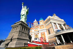 Replica of Statue of Liberty in front of New York - New York hot Royalty Free Stock Photo