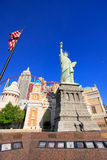 Replica of Statue of Liberty in front of New York - New York hot Royalty Free Stock Images