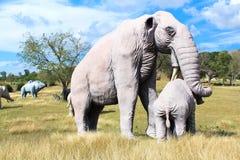 Replica van een mamut in het Jurapark Baconao Royalty-vrije Stock Foto's