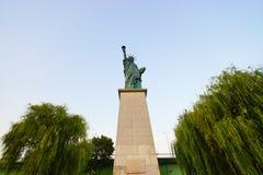 Replica van het Standbeeld van New York van Vrijheid in Parijs Stock Foto