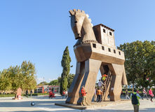 Replica van houten Paard van Troje in oude Troy stad Turkije royalty-vrije stock foto's