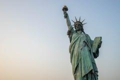 Replicastandbeeld van Vrijheid in Odaiba Stock Fotografie