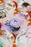 Repliche delle bottiglie del tabacco da fiuto sul mercato di Panjiayuan, Pechino, Cina Fotografia Stock Libera da Diritti