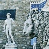 Replik des Davids durch Michelangelo in Florenz, Italien stockbilder