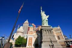 Replik des Freiheitsstatuen vor New York - New York heiß lizenzfreies stockbild
