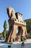 Replik des hölzernen Trojan Horse in der alten Stadt Troja Die Türkei lizenzfreies stockfoto