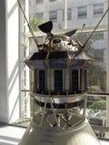Replik einer Raumsonde Luna 3 stockbilder