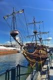 Replik eines alten Segelschiffs stockbild
