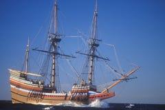Replik Mayflower II auf Meer, Massachusetts stockbilder
