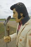 Replik von Elvis Presley singend auf der Straße im Südosten in GA lizenzfreie stockbilder