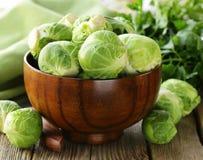 Repolho orgânico fresco Couves de Bruxelas Fotos de Stock