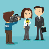 The reporter interviews a businessman Royalty Free Stock Images