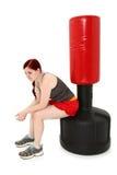 Repos après séance d'entraînement avec le sac lourd photo stock