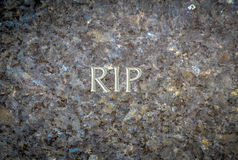 Repos dans la pierre tombale de Peave Photos libres de droits