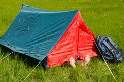 Repos dans la tente Photographie stock libre de droits