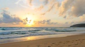 Repos pendant le coucher du soleil Images stock