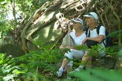 Repos plus âgé heureux de couples Images stock