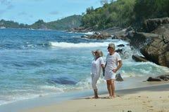 Repos plus âgé heureux de couples Photo libre de droits