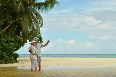 Repos plus âgé heureux de couples Photographie stock