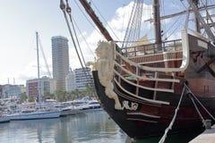 Repräsentationsfigurlöwe geformt in ein altes Kriegsschiff Lizenzfreie Stockfotos