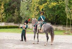 Représentant tchèque d'Olomouc 7 octobre 2017 Dirigeant de napoléon montant un cheval brun au festival historique Olmutz 1813 off images libres de droits