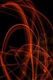 Représentation abstraite de nuit de traînées de flamber de dessin avec une constellation d'Ursa Major sur le fond Photographie stock
