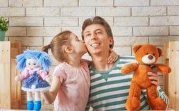 Représentation dans le théâtre de marionnette Image stock