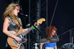Représentation de concert de bande de Deap Vally au festival 2013 de BOBARD (Festival Internacional de Benicassim) Images libres de droits