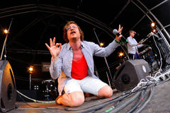 Représentation de FM Belfast (électro groupe pop) au festival de sonar Photo stock