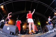 Représentation de FM Belfast (électro groupe pop) au festival de sonar Images libres de droits