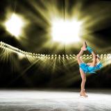 Représentation de jeunes patineurs, spectacle sur glace Images libres de droits