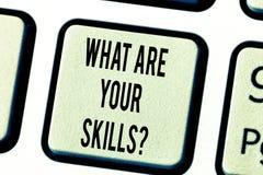 Représentation de signe des textes ce qui sont votre Skillsquestion La photo conceptuelle nous indiquent votre clavier d'expérien photo libre de droits