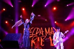 Représentation vivante d'Imelda May (producteur, musicienne, chanteur et compositeur) au festival de Bime Images stock