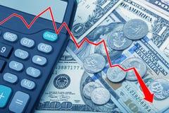Représentez graphiquement montrer des billets de banque d'USD avec des pièces de monnaie et une calculatrice Photos stock