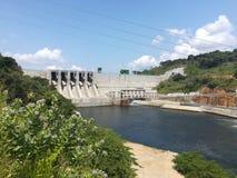 Represa concentrada de Moragahakanda em Sri Lanka fotos de stock royalty free