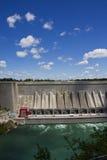 Represa da energia hidráulica da água Imagens de Stock