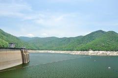Represa de Bhumiphol em Tak, Tailândia Imagem de Stock
