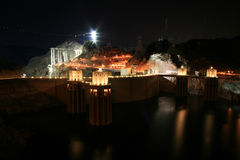 Represa de Hoover na noite Imagem de Stock