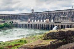 Represa de Itaipu fotos de stock