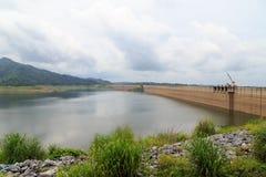Represa de Khun Dan Prakan Chon Imagens de Stock