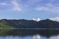 Represa de Khun Dan Prakan Chon Fotos de Stock Royalty Free