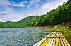 Represa de Srinakarin (Kanchanaburi) Foto de Stock